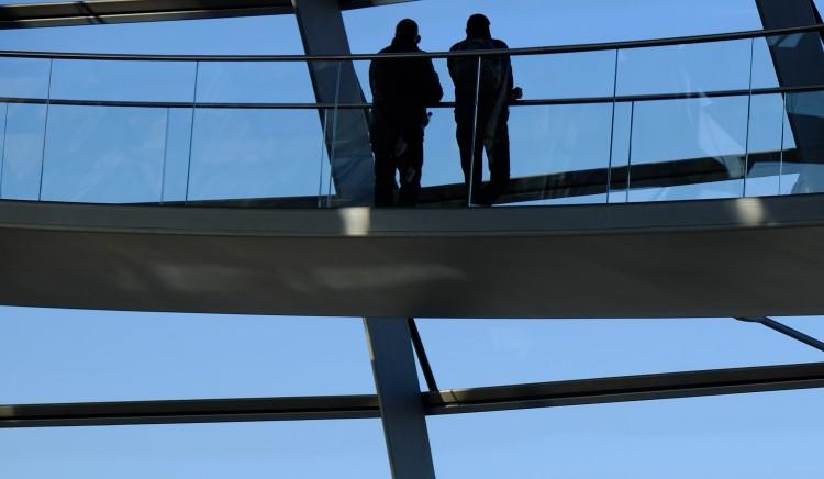 Zwei Männer Kuppel