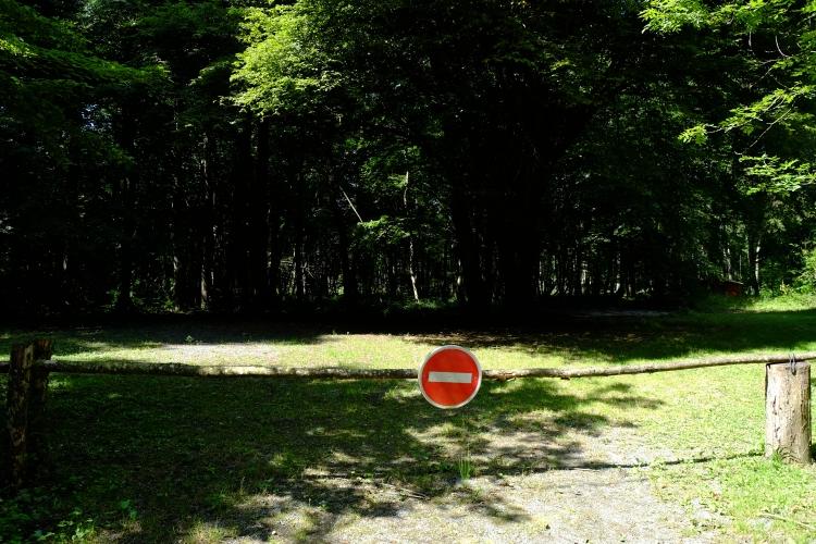 Schild Durchfahrt