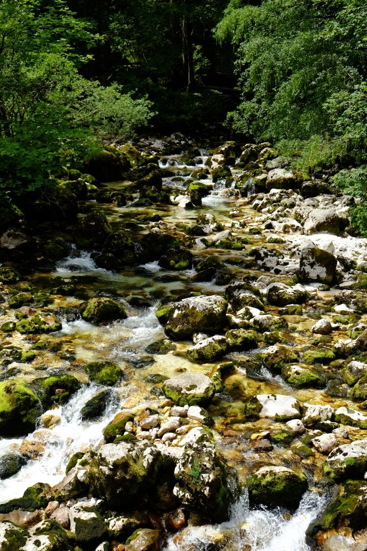 steine-wasserfall