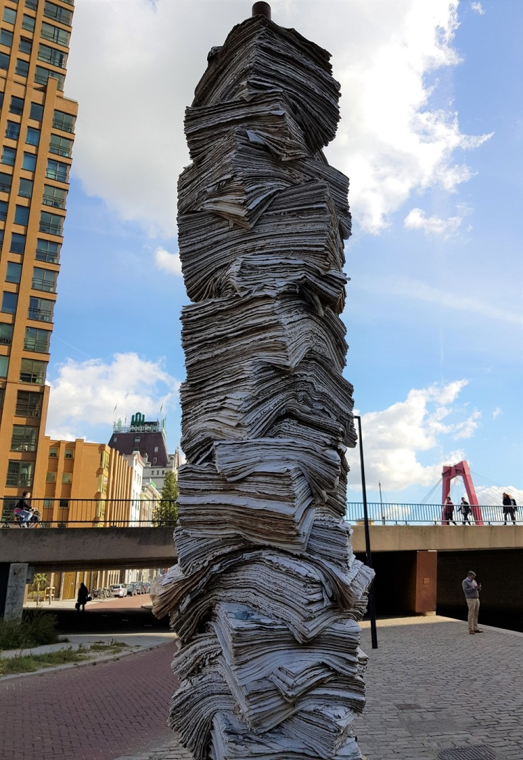 Papierturm R