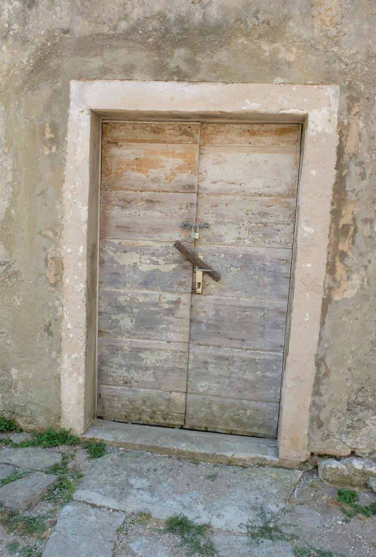 Tür zu